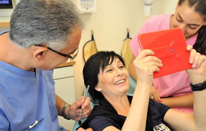 כתרים לשיניים קדמיות